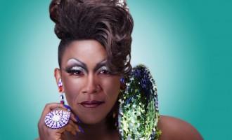 Controversiales líderes políticos vestidos como drag queens