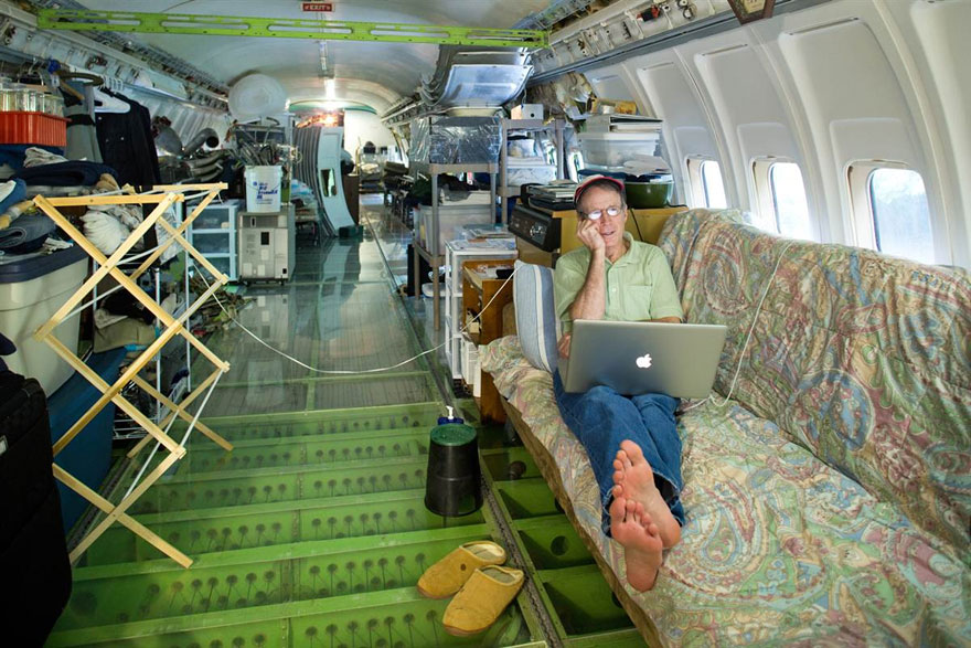 retired-boeing-727-recycled-home-bruce-campbell-1