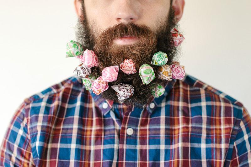 guy-sticks-random-things-in-his-beard-instagram-tumblr-2