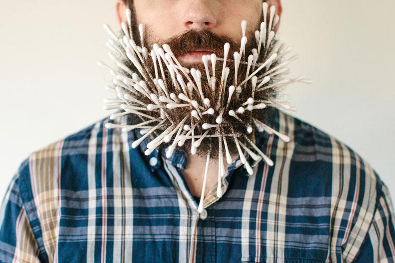 guy-sticks-random-things-in-his-beard-instagram-tumblr-3