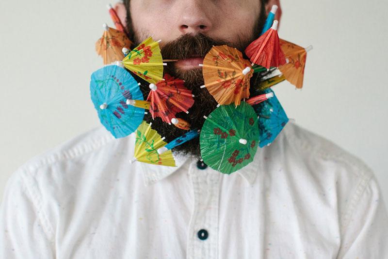 guy-sticks-random-things-in-his-beard-instagram-tumblr-6