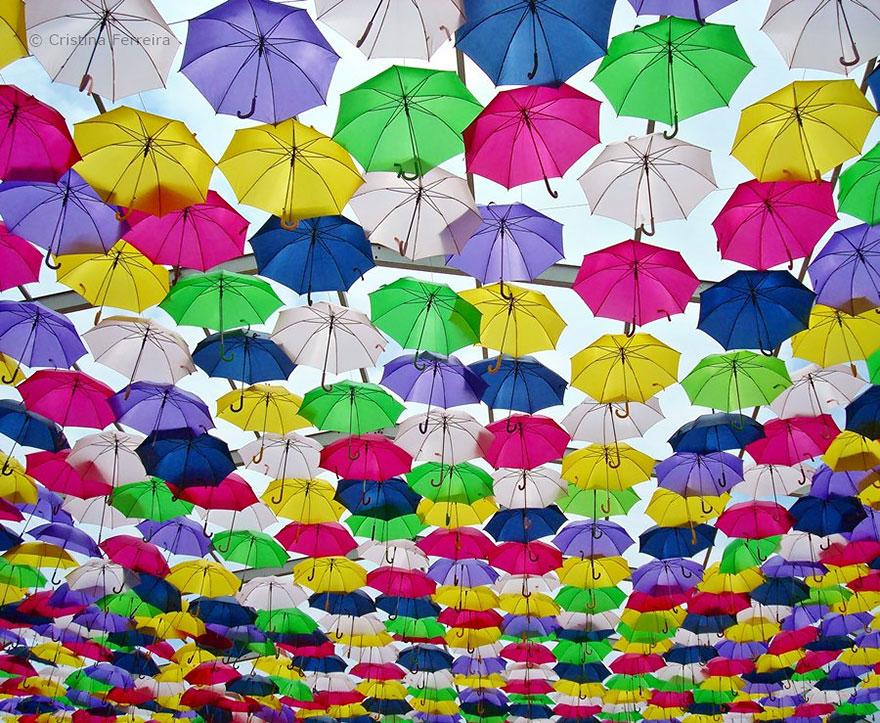 floating-umbrellas-agueda-portugal-2014-8