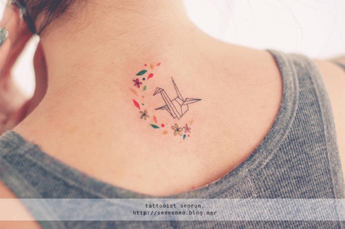 minimalistic-feminine-discreet-tattoo-seoeon-34