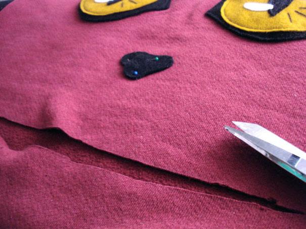 diy-cat-zipper-mouth-sweater-hellovillain-15