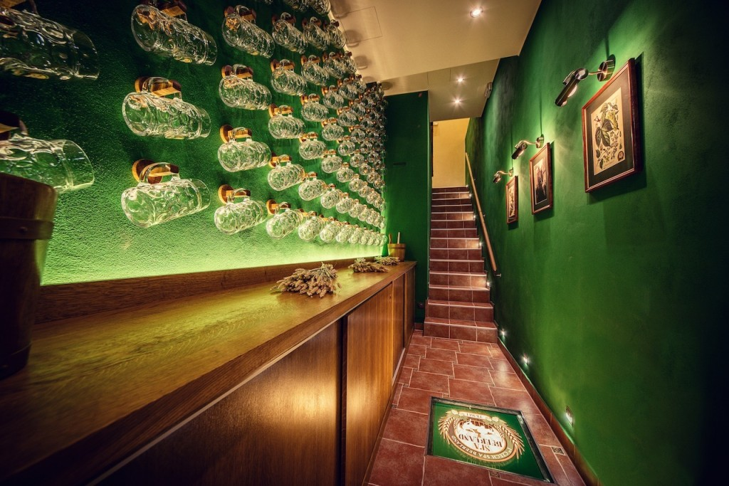 (1)-Entrance_Pivni_Lazne_Spa_Beerland_Prague