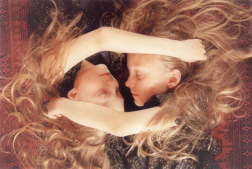 identical-twins-erna-hrefna-photography-iceland-ariko-inaoka-2