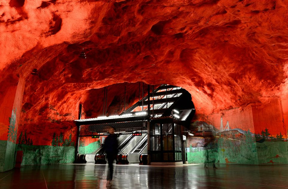 the-most-beautiful-metro-stations-in-the-world-18524-960x630