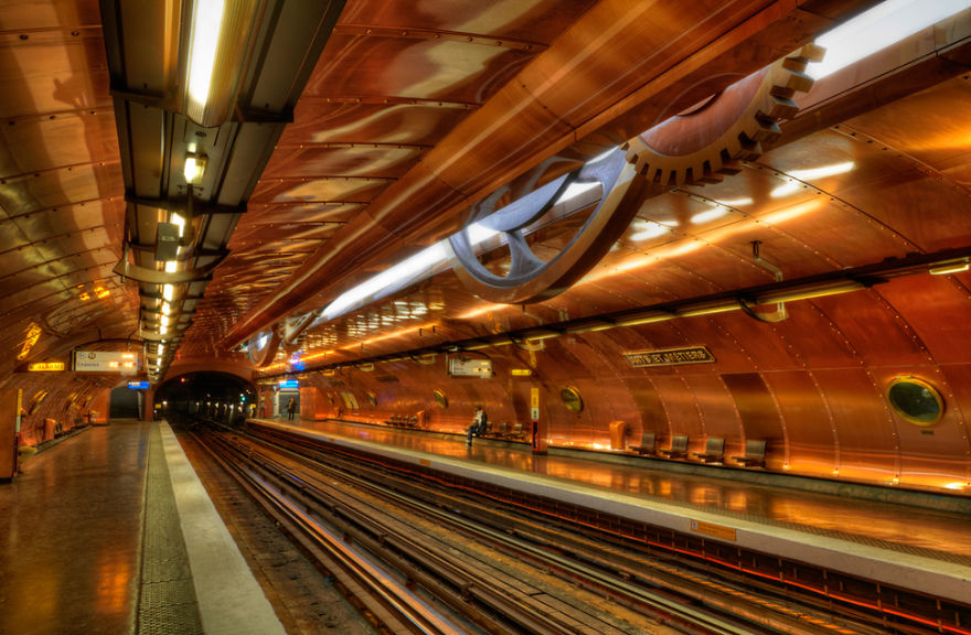 the-most-beautiful-metro-stations-in-the-world-20956