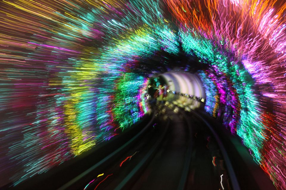 the-most-beautiful-metro-stations-in-the-world-65030-960x640