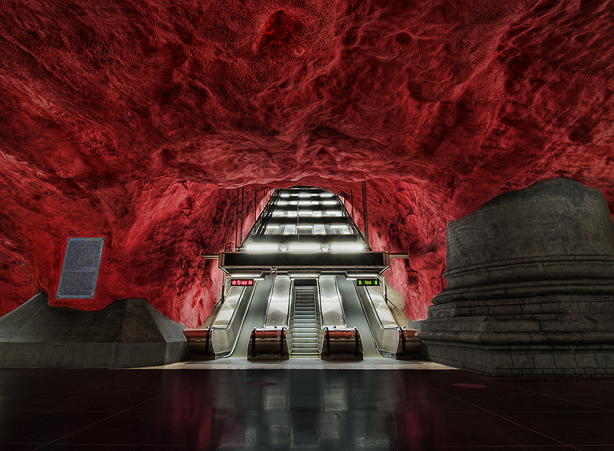 the-most-beautiful-metro-stations-in-the-world-82670