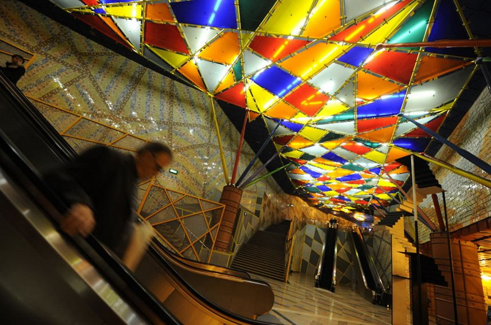 the-most-beautiful-metro-stations-in-the-world-85138-960x635