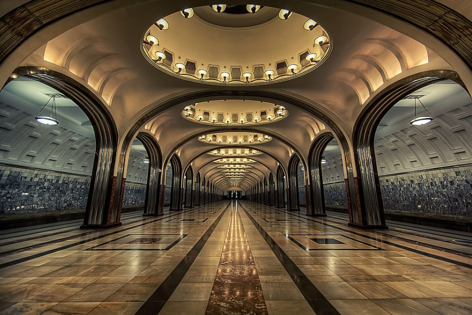 the-most-beautiful-metro-stations-in-the-world-88585-960x640
