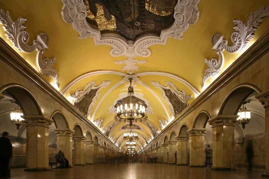 the-most-beautiful-metro-stations-in-the-world-90752