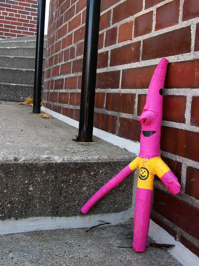 banksy-inspires-10-year-old-girl-to-create-family-friendly-street-art-4__700