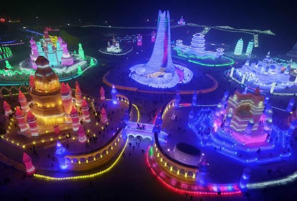 ss-151225-china-ice-festival-yh-04_1f883f9f83eec279e0d241922b4d1525.nbcnews-ux-600-480