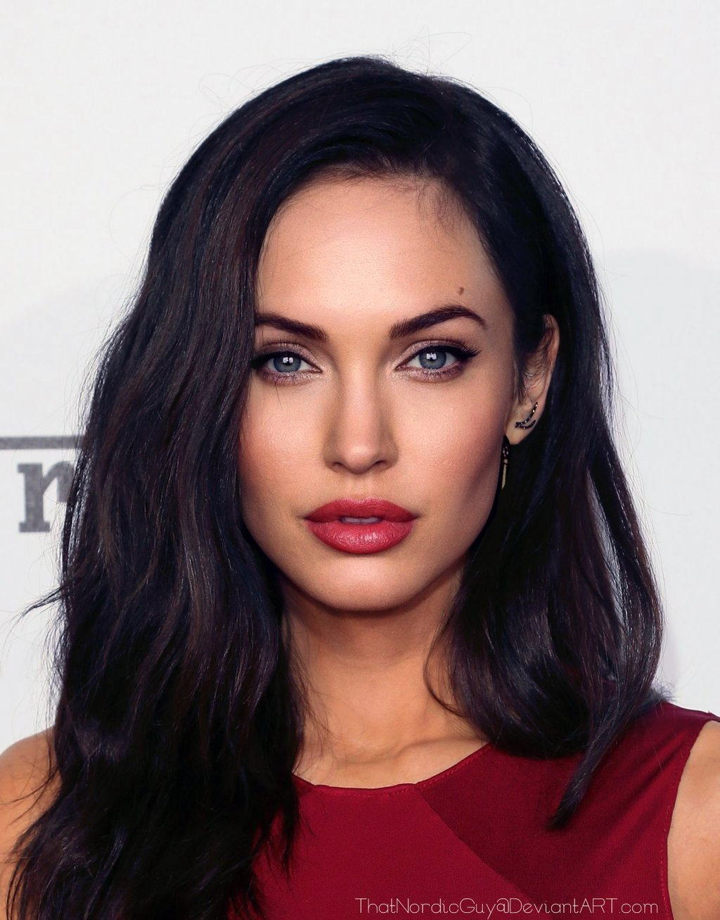 his-portrait-of-megan-fox-and-angelina-jolie-is-stunning