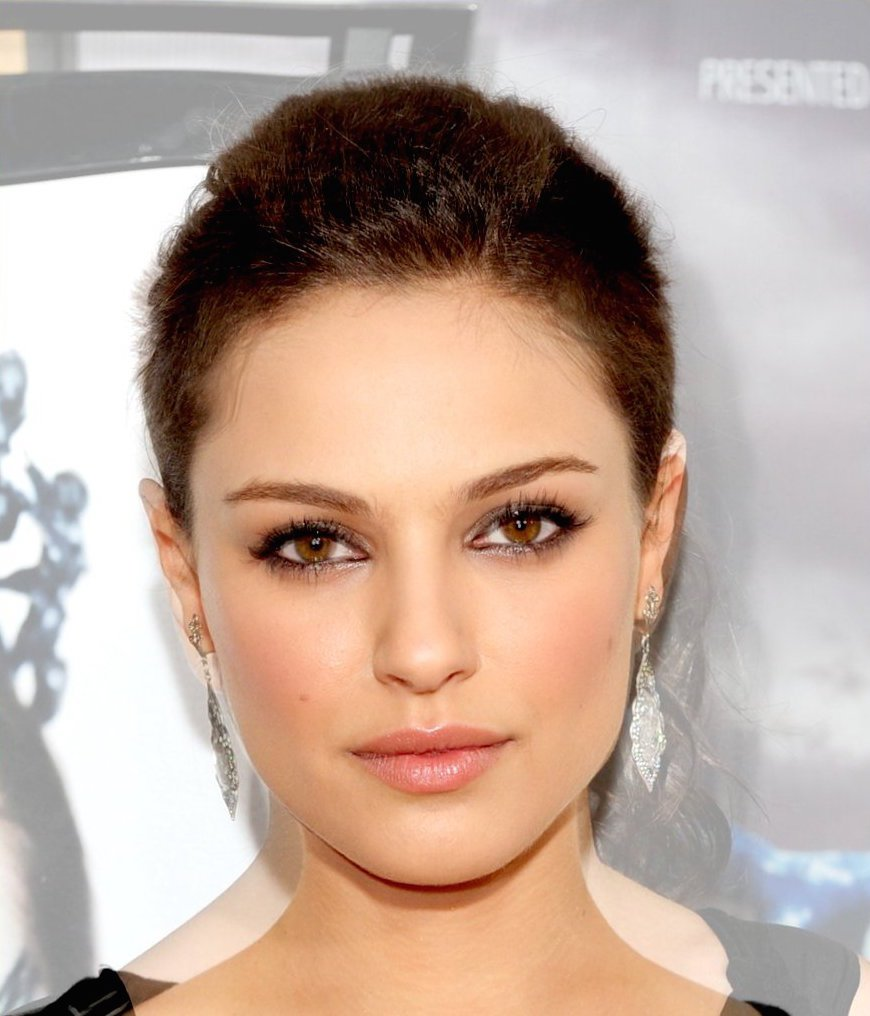 inspired-by-the-movie-black-swan-thatnordicguy-combined-costars-mila-kunis-and-natalie-portman