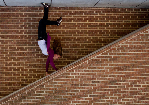 forced-perspective-creative-angle-photography-14-570cdc50b8f08__605